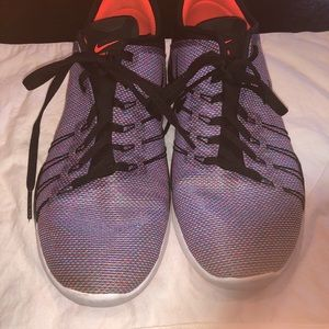 NIKE free TR 6 size 8.5 multi color stitching